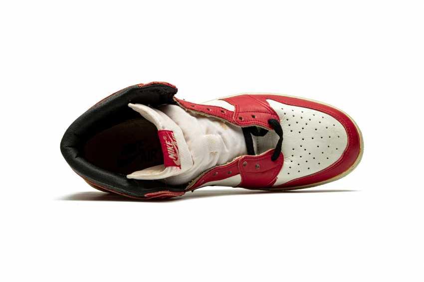 Air Jordan 1 TYPS, Player Exclusive Signed Sneaker - photo 5