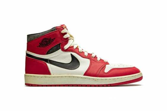 Air Jordan 1 TYPS, Player Exclusive Signed Sneaker - photo 6