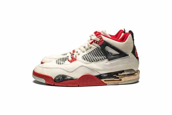 """Air Jordan 4 """"Fire Red,"""" Player Exclusive, Game-Worn Signed Sneaker - photo 1"""