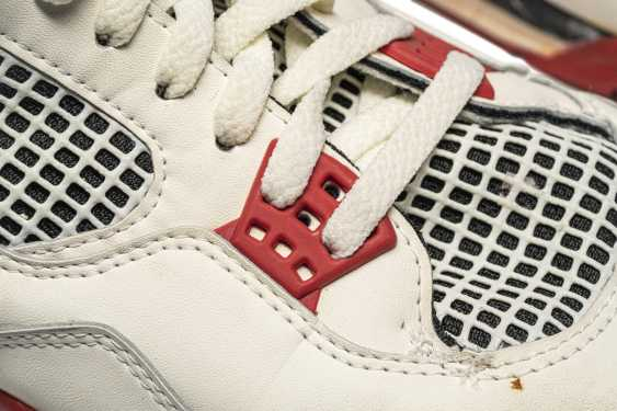 """Air Jordan 4 """"Fire Red,"""" Player Exclusive, Game-Worn Signed Sneaker - photo 10"""