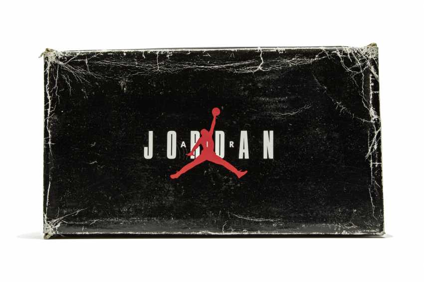 "Air Jordan 10 ""Shadow,"" Player Exclusive Sneaker - photo 16"