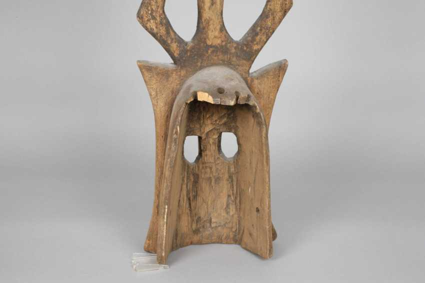 Ritual and initiation ceremony mask with Board essay - photo 4