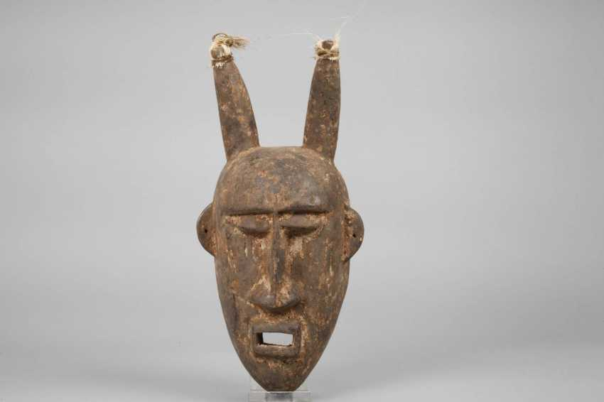 Two Carvings Of Africa - photo 2