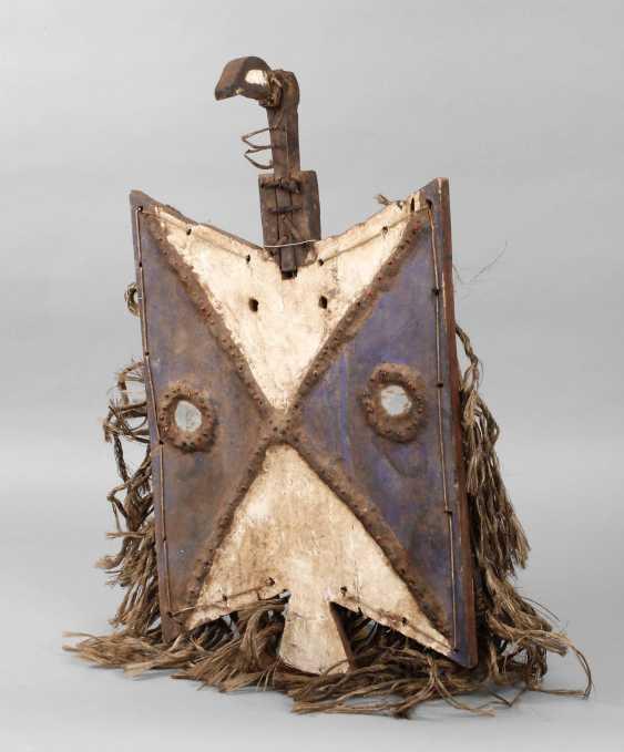 Disc-Shaped Board Mask - photo 1