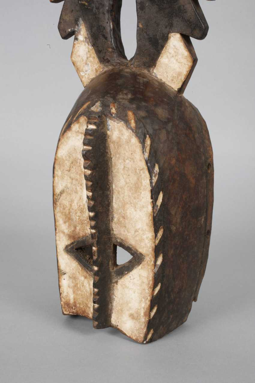 Dance crest mask with figural top - photo 6