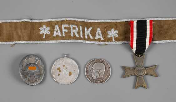 Vintage Badges 2. World war - photo 1