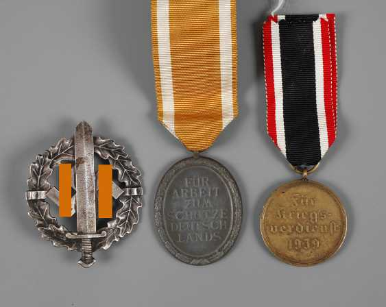 Mixed lot of badges, third Reich - photo 1
