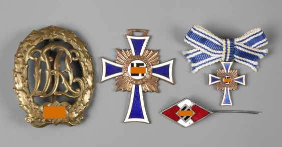 Collection of Nazi badges - photo 1