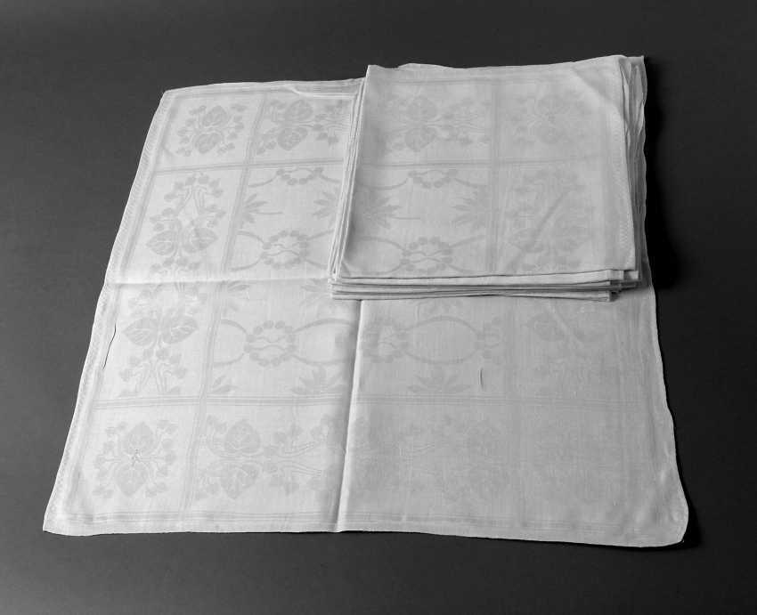 Twelve Napkins Art Nouveau - photo 1