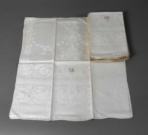 Eleven Gebilddamast-Towels Historicism - photo 1