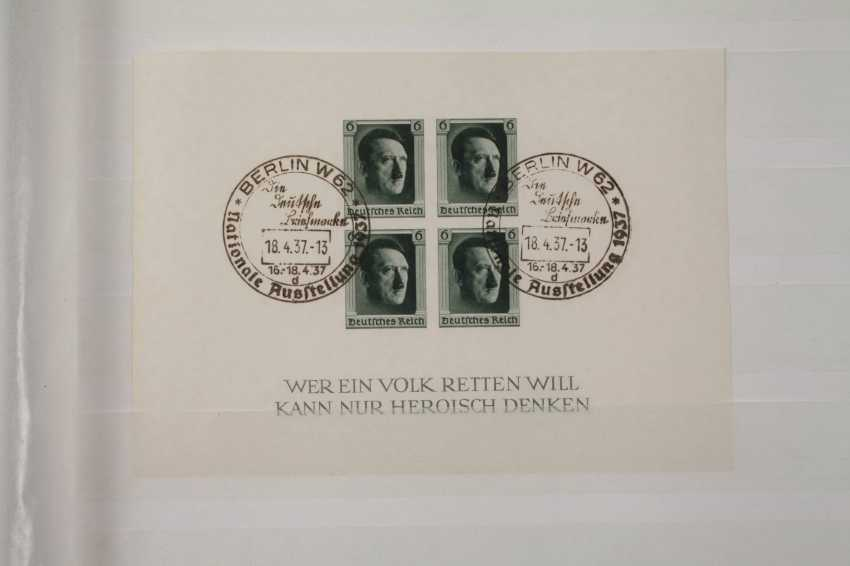 Three stamp albums DR and DDR - photo 3