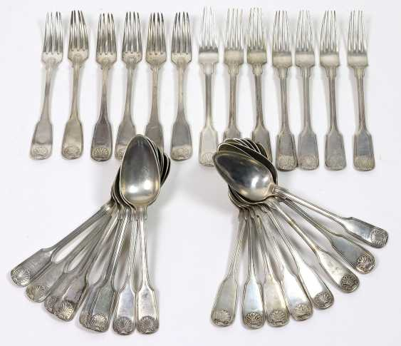 Dining forks and spoons around 1830/40 - photo 1