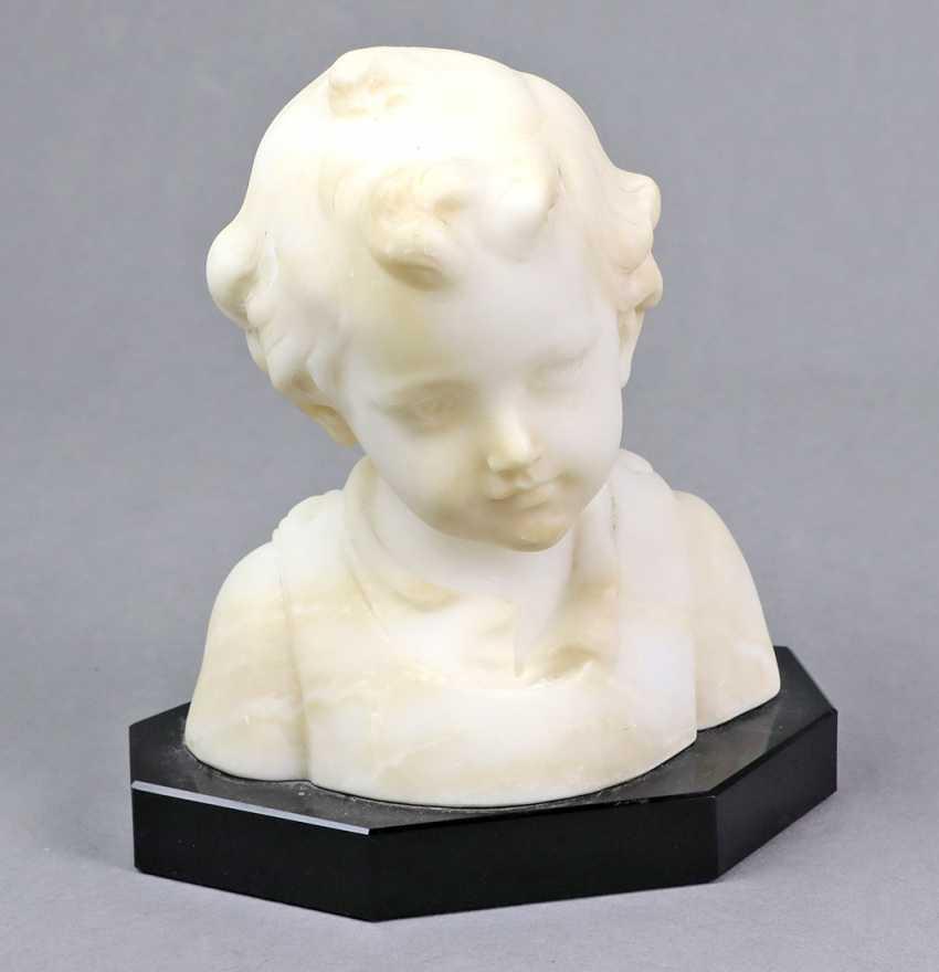 Alabaster Girl Bust - photo 1