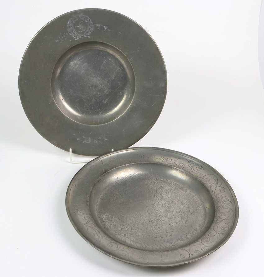 2 large pewter plates 18. Century - photo 1
