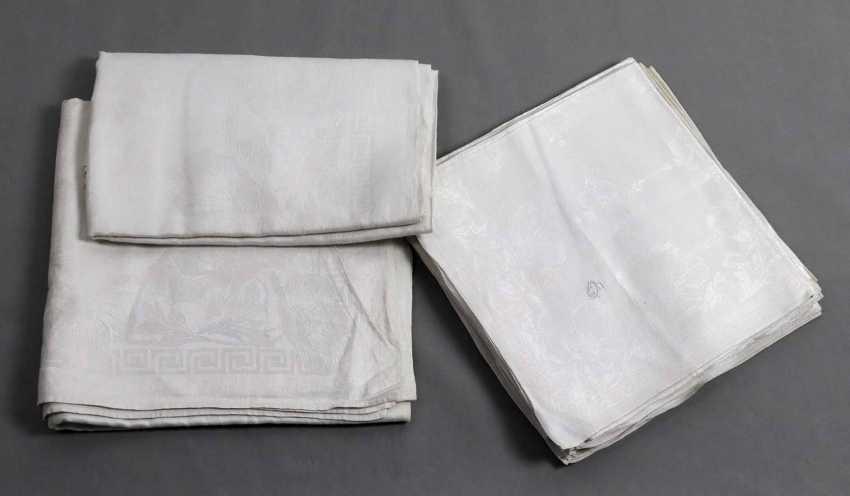 2 damask cloths and 13 napkins to 1900 - photo 1
