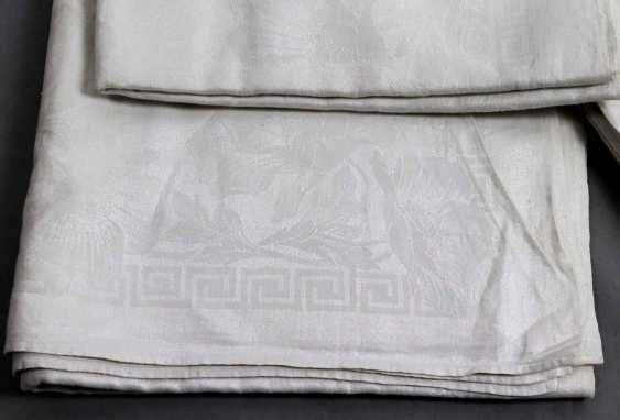 2 damask cloths and 13 napkins to 1900 - photo 2