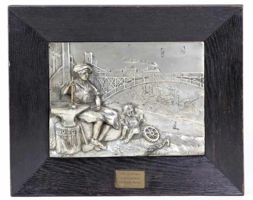 Gift of honour silver plated Relief - photo 1