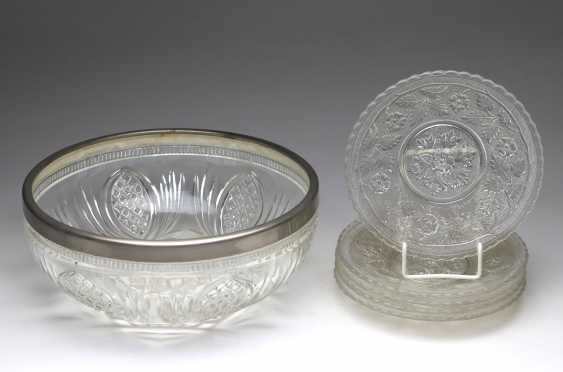 Set the glass plate in order to 1920, among other things, - photo 1