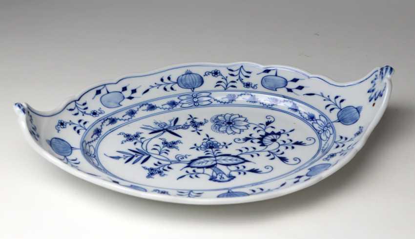 Meissen *Onion Pattern* Serving Plate Has A - photo 2