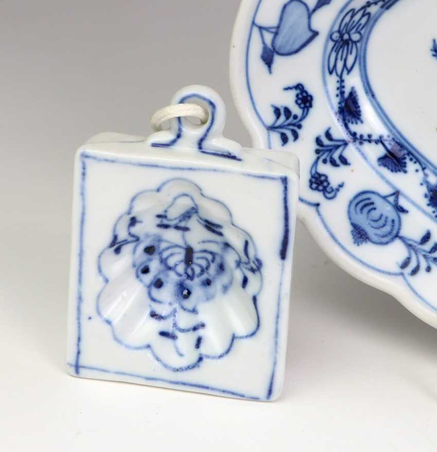 *Onion pattern* serving plate has a, among other things, - photo 3