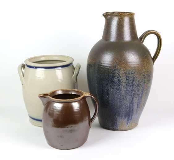 large ceramic vase, among other things, - photo 1