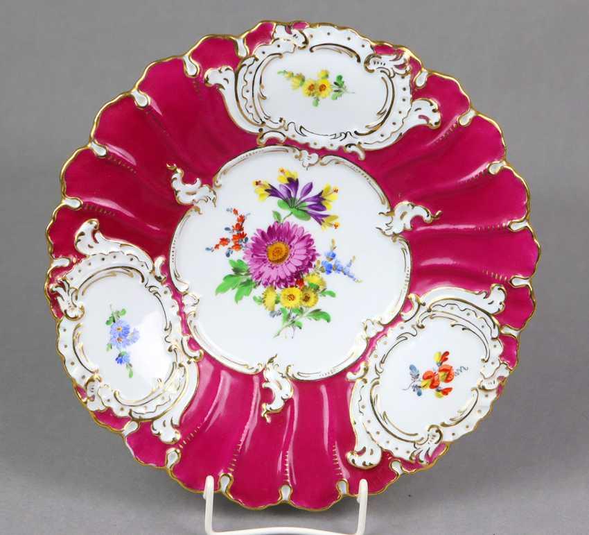 Meissen Purple Pomp Plate *Flower Bouquet* - photo 1