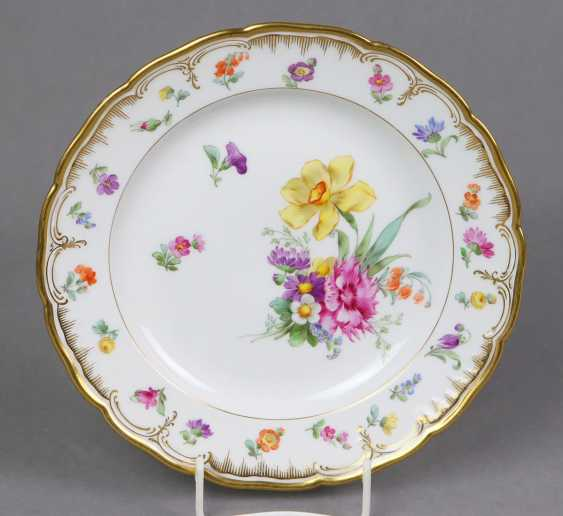 KPM flower plate with gold relief - photo 1