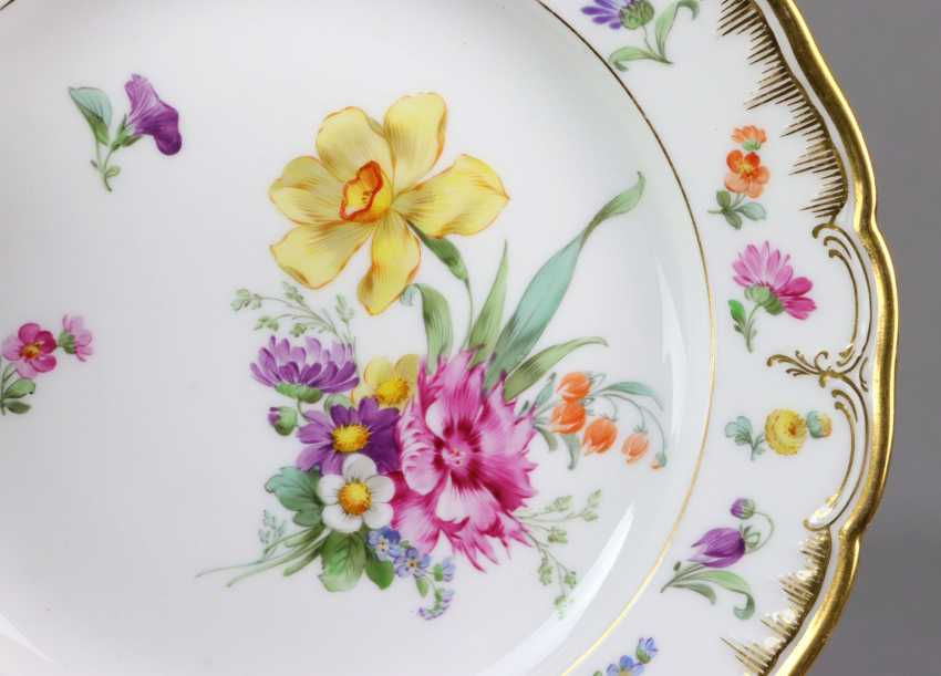 KPM flower plate with gold relief - photo 2