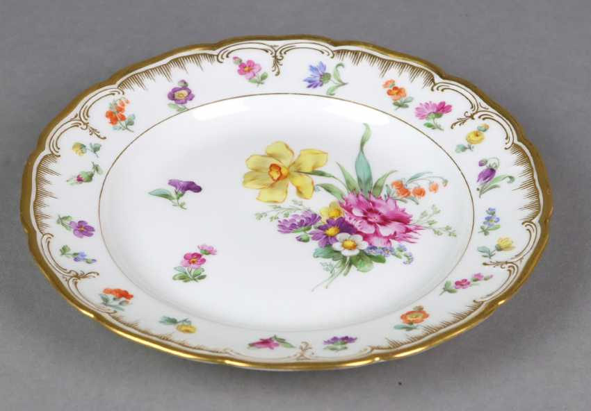 KPM flower plate with gold relief - photo 4