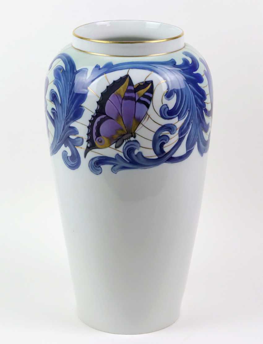 a large Fraureuth Vase - photo 1