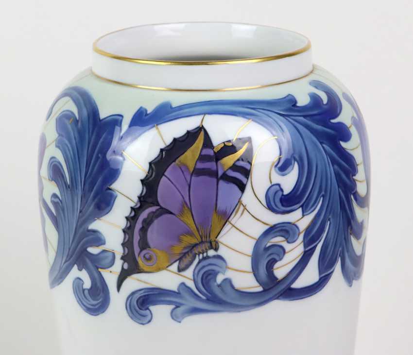 a large Fraureuth Vase - photo 2