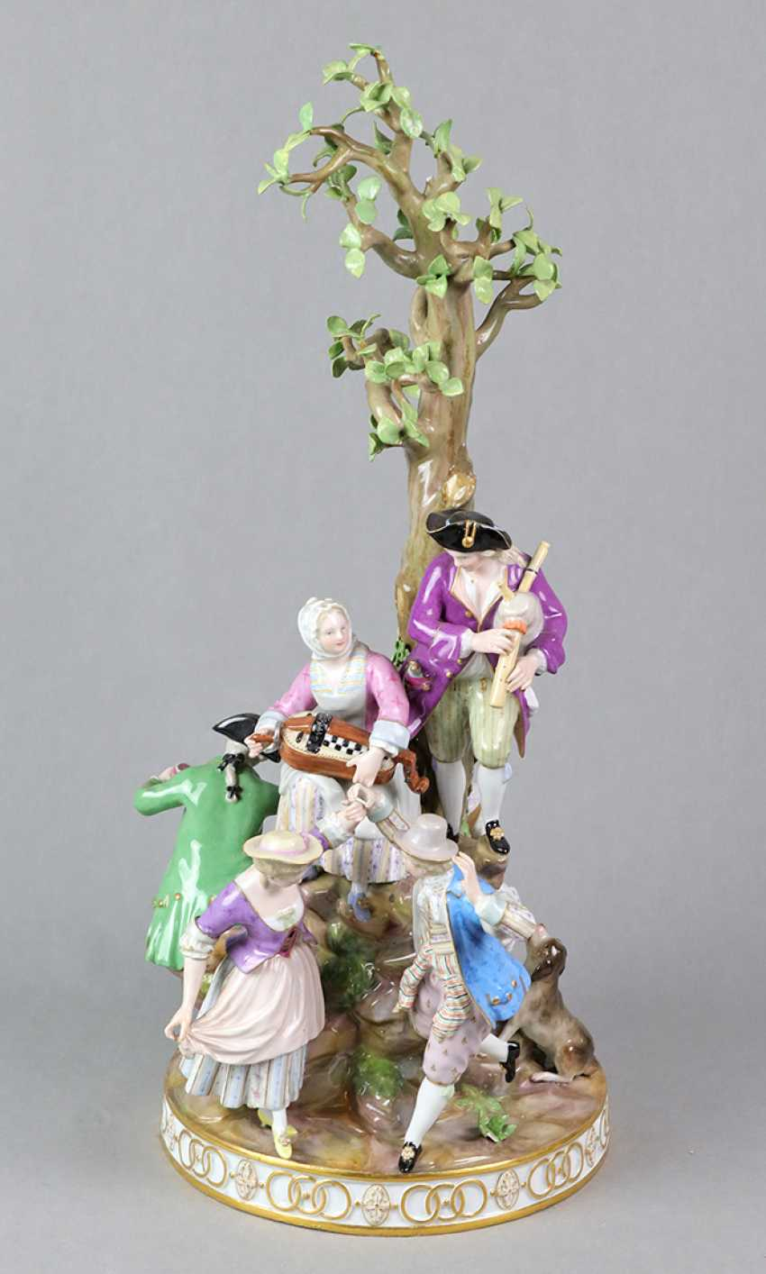 Meissen large figure of group 1850 - photo 1