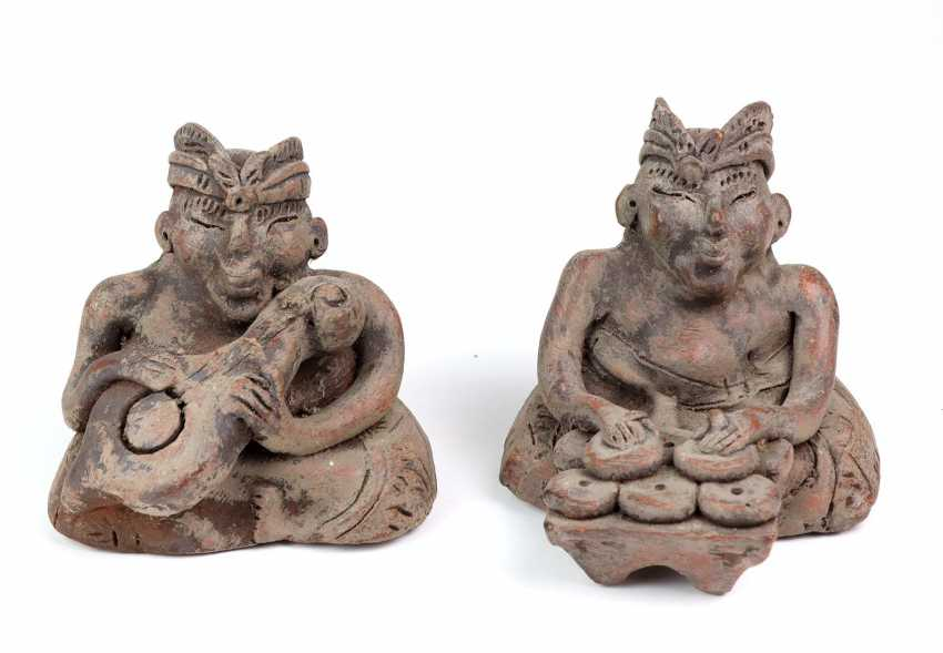 2 Asian ceramic figurines - photo 1