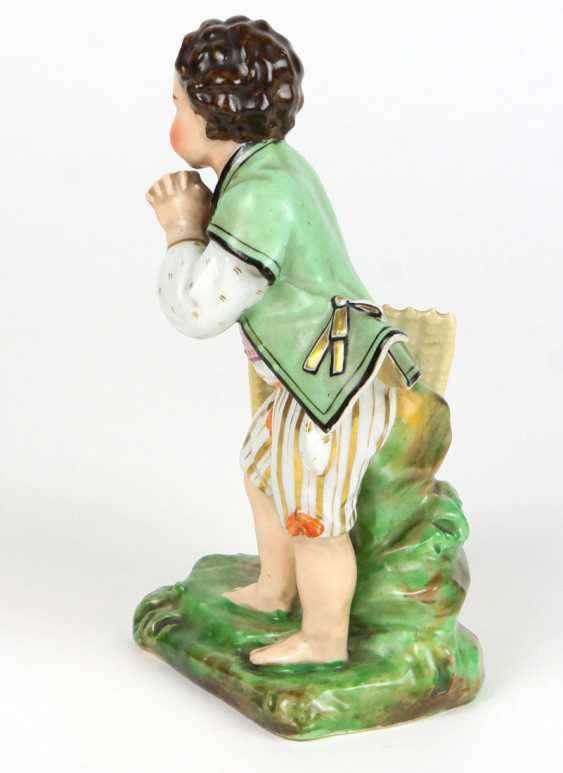 Biedermeier porcelain figurine circa 1840 - photo 2
