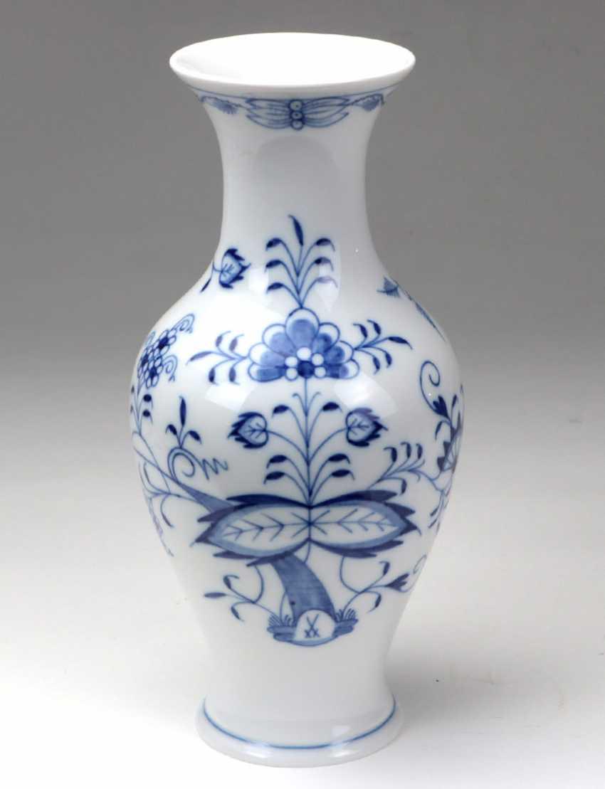 Meissen *Onion Pattern* Vase - photo 1