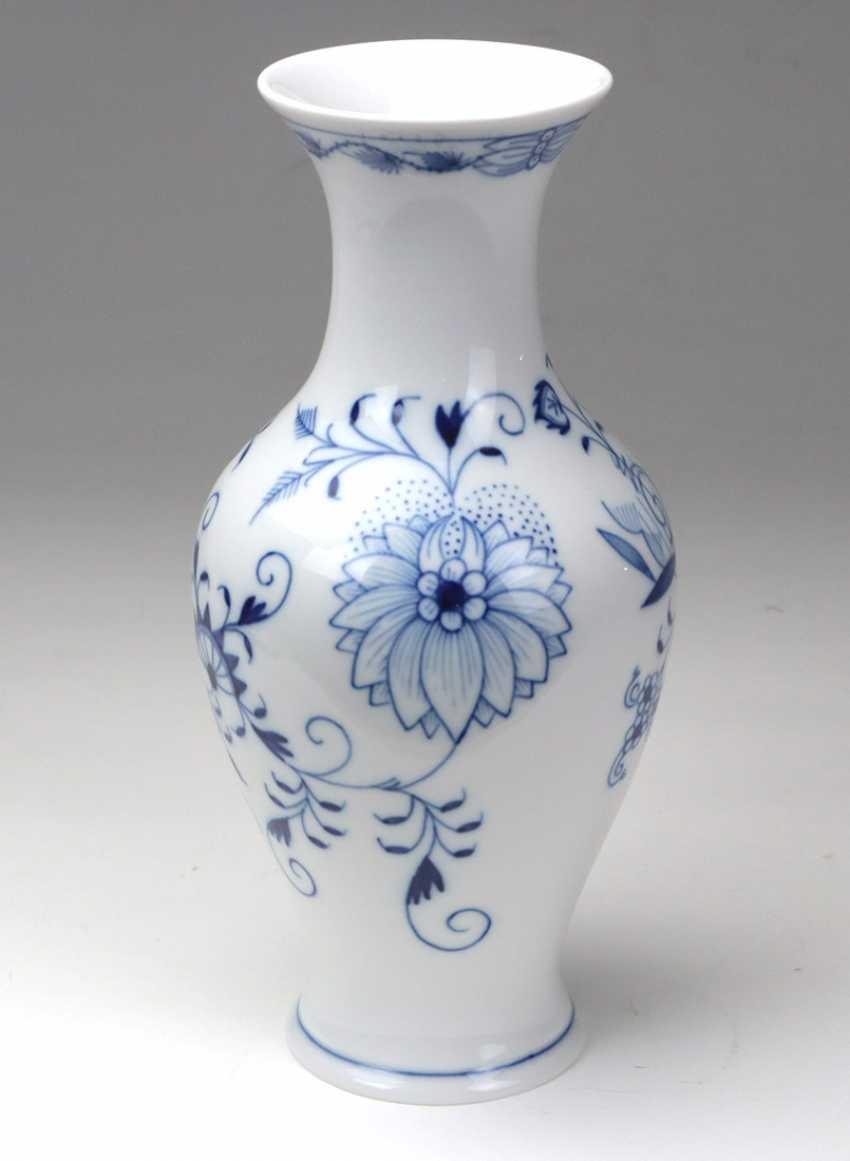 Meissen *Onion Pattern* Vase - photo 2