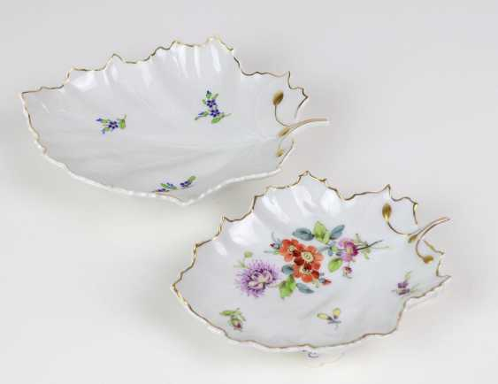 2 hand painted leaf bowls maximum - photo 1