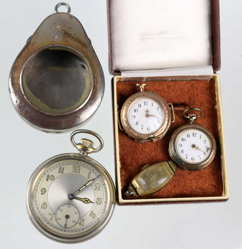 2 ladies pocket watches, around 1900, among others - photo 1