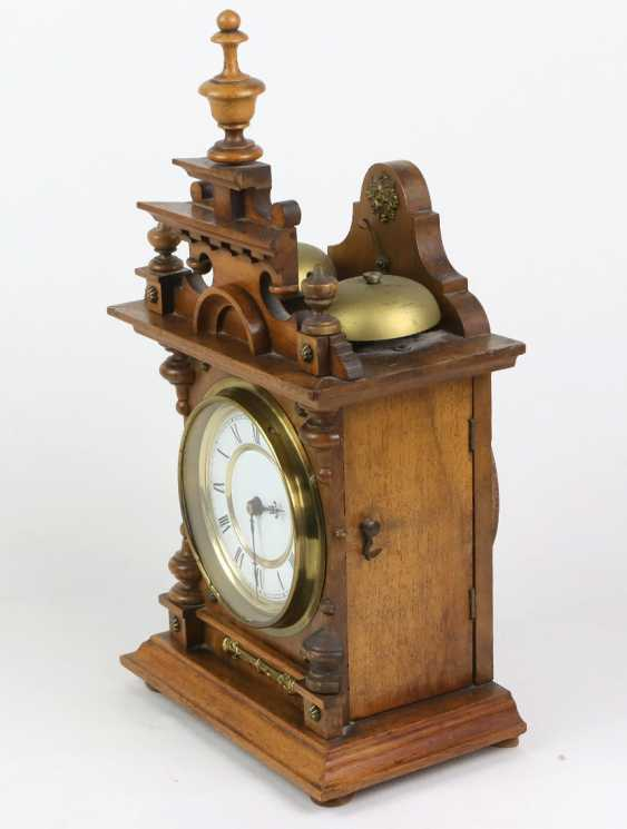 L'historicisme horloge de table avec des Cloches - photo 2