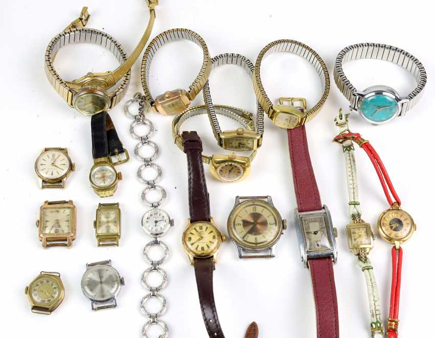 Items Of Bracelet Watches - photo 1