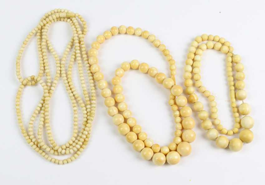 3 antique ivory chains - photo 1