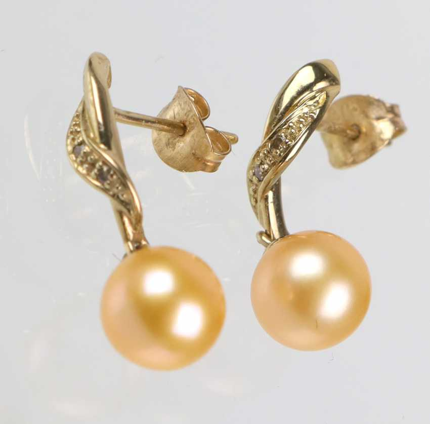 Pearl earrings with diamonds - yellow gold 375 - photo 1