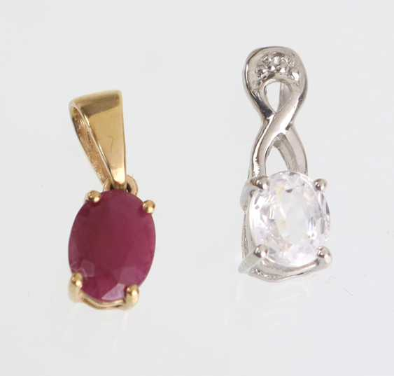 Ruby pendant in yellow gold 375, among other things, - photo 1
