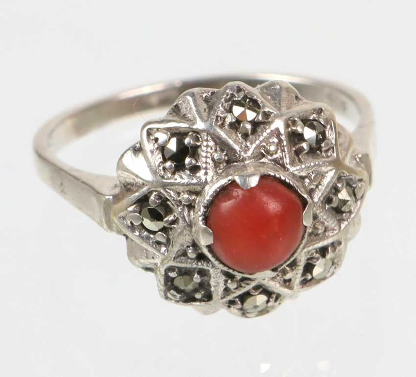 antique coral Ring - photo 1