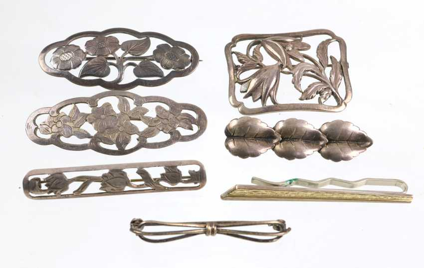 The post silver brooches, among other things, - photo 1