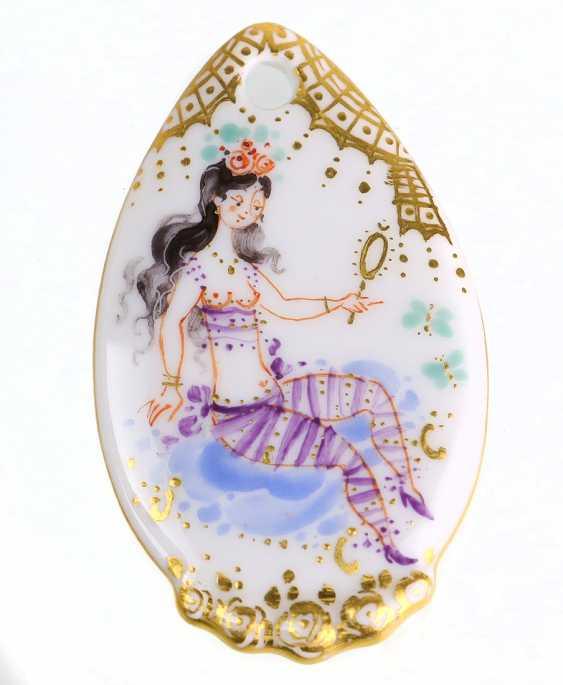 Meissen Porcelain Pendant *1001 Night* - photo 1