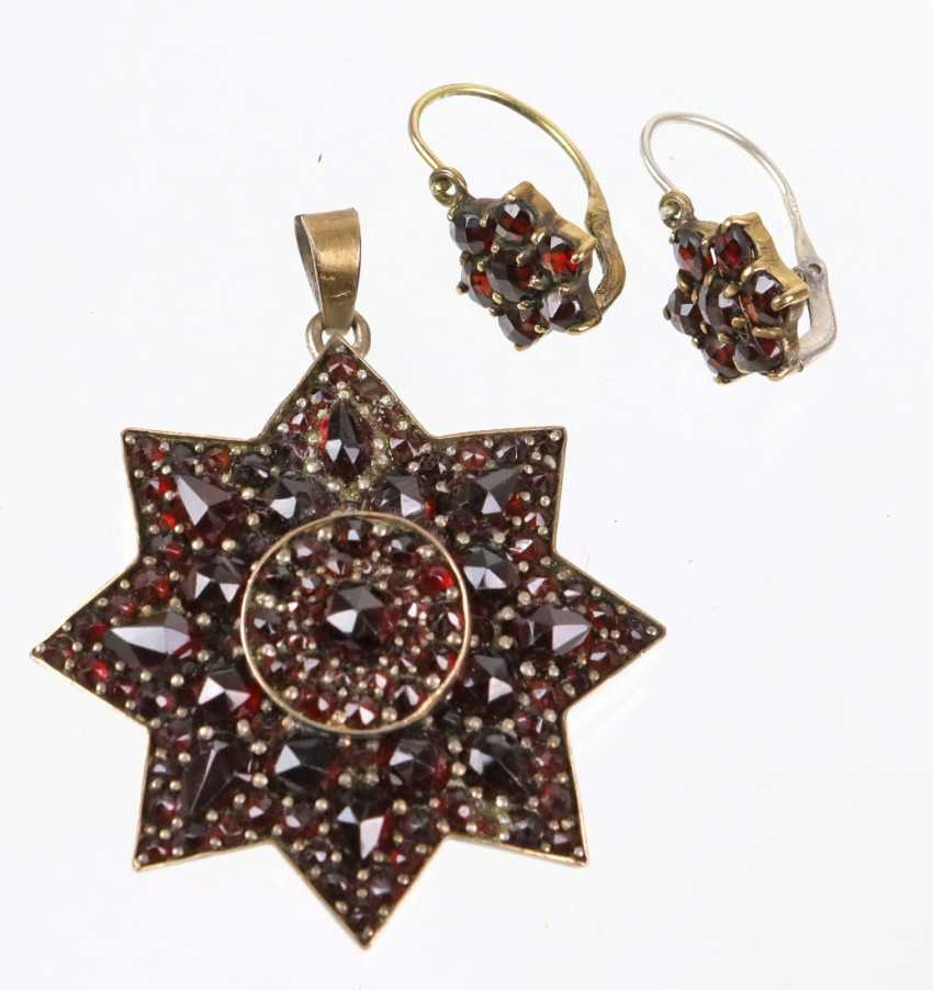 Garnet pendant and earrings to 1860/80 - photo 1