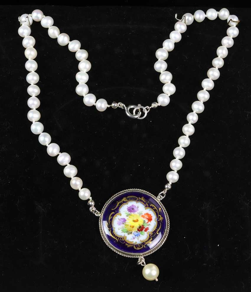 Necklace with antique Meissen porcelain pendant - photo 1