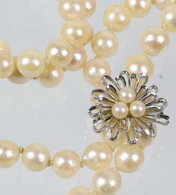 large Akoya pearl necklace with chain shortener - photo 2