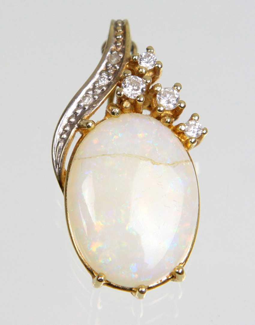 Opal Pendant - Yellow Gold 585 - photo 1